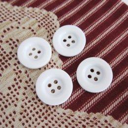 กระดุมพลาสติก สีขาว ขนาด 2 ซม. (5 เม็ด/แพ็ค)