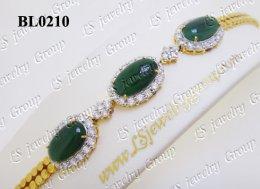 สร้อยข้อมือหยกพม่าธรรมชาติหลังเบี้ย  (Natural Burmese Jade)