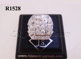 แหวนเพชรสอดชายทรงสี่เหลี่ยม 1.85 Ct. น้ำ99%