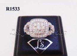 แหวนเพชรหน้าสี่เหลี่ยม 1.02 Ct. น้ำ99%