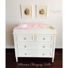 Florece Changing Table
