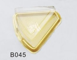 B045 พลาสติก สามเหลี่ยม ฐานทอง DIA: 137x135x65 mm@50