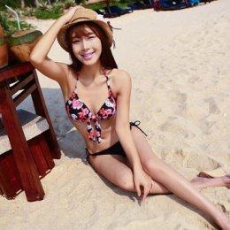 [[พร้อมส่ง]] [SH-007] SH++ชุดว่ายน้ำ++Bikini 2 Piece Style Vintage ลายดอกไม้สีแดง กางเกงผูกสีดำ