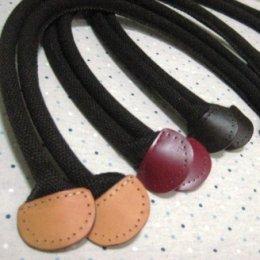 สายกระเป๋าผ้าปลายหนังขอบมน มีช่องสำหรับเย็บ ความยาวตลอดเส้น 55 cm.สามารถสะพายไหล่ได้***มีให้เลือกหลายสี***