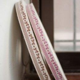 เทปผ้า Cotton ลายโบว์ หน้ากว้าง 2 cm. มี 2 สีให้เลือกค่ะ ราคา/หลา