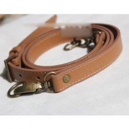 สายกระเป๋าสะพายหนัง PU สามารถปรับสายได้ สีกาแฟ ความยาวตลอดเส้น 110-128 cm.หน้ากว้าง 1.8 cm.