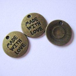 ตัวห้อยซิป made with love สูง 2 cm. อันละ