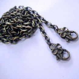 สายกระเป๋าสีทองปัดดำขัดเงา กว้าง 6 mm. ยาว 130 ขนาด เลือกแบบขอด้านในค่ะ