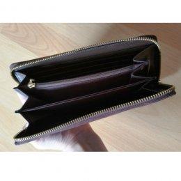 ไส้กระเป๋ายาว ด้านในเป็นผ้าร่มเนื้อแข็งอยู่ทรง ขนาด 22 x 10 cm. แถมแพทเทิร์น
