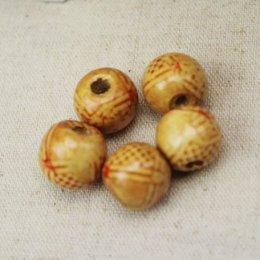 ลูกปัดไม้ ขนาด 11 x 12 mm. ราคา/set  5 เม็ด