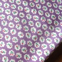 ผ้า cotton ไทย ลายดอกโทนม่วงขนาด 1 ซม. ขนาด 1/4 เมตร (50*55 ซม.)