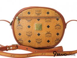MCM Crossbody Brown MWR3AV178CO001   - Used Authentic Bag กระเป๋า ครอสบอดี้ เอ็ม ซี เอ็ม ครอสบอดี้ ใบเล็ก สีส้ม ลายโลโก้ สะพายข้าง ครอสบอดี้ น่ารักมากๆค่าใบนี้ ของแท้มือสองสภาพดีค่ะ