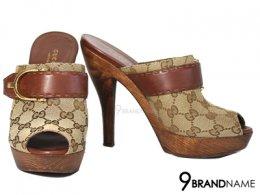 Gucci Brown GG Canvas Pumps  - Used Authentic Bag รองเท้าส้นสูง กุซซี่ ส้นทำจากไม้แท้ ลายไม้สวย แข็งแรงทนมากๆค่ะ ผ้าแคนวาสปั๊มโลโ้ก้ เก๋ หรู ไม่ซ้ำใครค่ะ