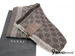 New Gucci Scarf Brown Size 70x195 - Authentic ผ้าคลุมไหล่ กุซซี่ ลายผ้าโลโก้ สีน้ำตาล ไซส์ 70x195 ผืนขนาดใหญ่ สวย หรู คลุมไหล่สวย ทำเป็นผ้าเป็นคอก็หรูมากๆค่ะสีนี้ ผ้านุ่มลื่นใช้สบาย