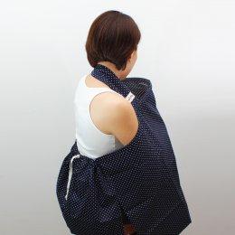 ผ้าคลุมให้นม Beanie Nap รุ่นมีผ้าปิดหลัง ลายNavy Blue Dots
