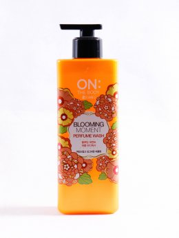 ON THE BODY BLOOMING MOMENT PERFUME WASH 500ml.
