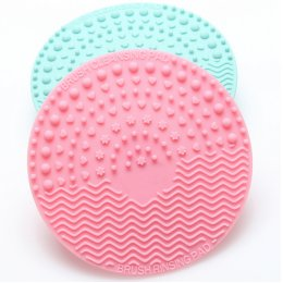 PHOSPHENES brush cleansing pad 1 pcs.
