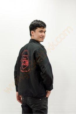 เสื้อแจ็คเก็ตสีดำ