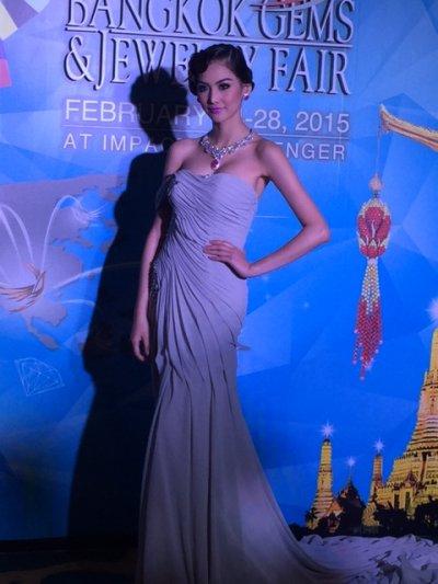 ชุดจิวเวลรี่ของ Lee Seng Jewelry(L.S.Jewelry Group) ในงานแถลงข่าว Bangkok Gems & Jewelry Fair 55th ณ.โรงแรมแชงกลีลา ห้องบอลลูม1 วันที่ 16 กุมภาพันธ์ 2015