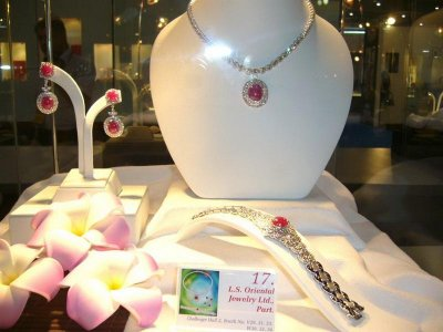 Hot 2010 Vol.I Jewelry Award in Bangkok Gems & Jewelry ครั้งที่44 by L.S. Jewelry Group